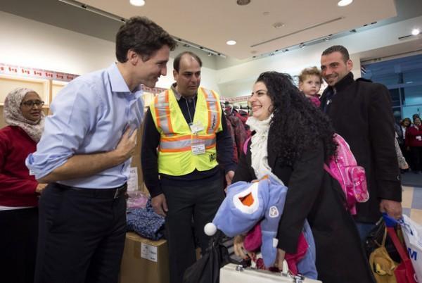 در واکنش به فرمان ترامپ، کانادا از پناهجویان استقبال می نماید
