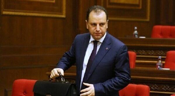 استعفای وزیر دفاع ارمنستان