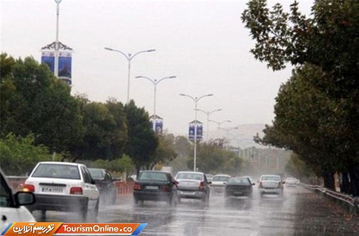بارش باران در جاده های 10 استان