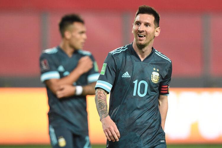 (ویدیو) خلاصه بازی پرو 0 - 2 آرژانتین 28 آبان 99