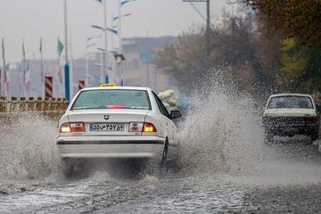 بارش های پراکنده در مناطقی از کشور ، خلیج فارس مواج است