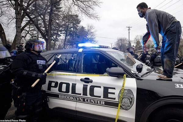 افشای پنهانکاری پلیس آمریکا در قتل جوان سیاه پوست