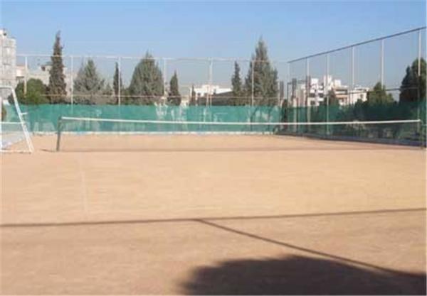 آماده سازی زمین های تنیس کیش برای میزبانی از اردوی تیم ملی و مسابقات بین المللی